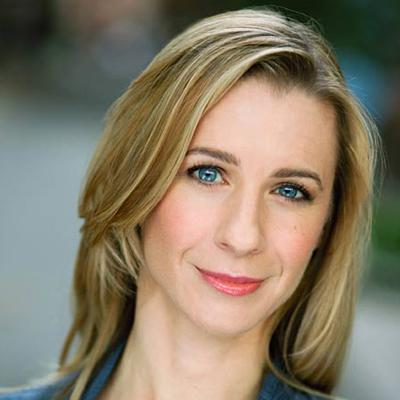Julia Coffey Headshot