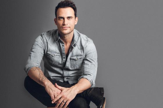 A photo of Cheyenne Jackson